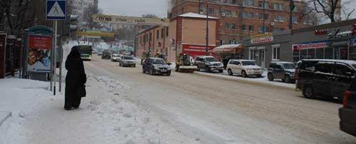Глава ГИБДД Владивостока благодарен женщинам и молится на строящиеся дороги