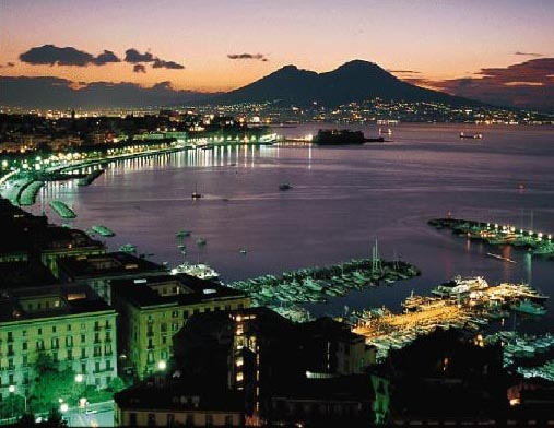 Культурная программа Maggio dei monumenti, Неаполь