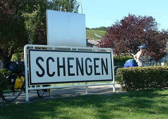 Вступление Румынии и Болгарии в шенген зону откладывается до следующего года
