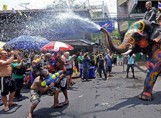 Сонгкран, празднование Нового года в Таиланде 13 апреля